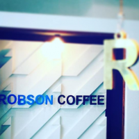 Screenshot_2018-12-07  robsoncoffee - Instagram 「『営業時間変更のお知らせ』 いつもご来店頂き、誠にありがとうございます! 明日10月4日(木)レセプションパーティー開催の為、午後14時でクローズと[...]